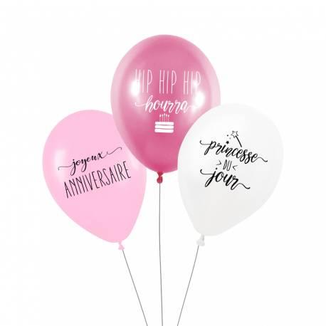 Ce lot de 3 ballons comprend :  - 1 ballon fushia métallisé avec l'inscription «Hip hip hip hourra» en blanc - 1 ballon rose avec...